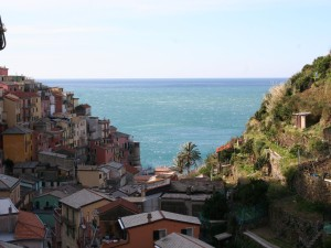 Sightseeing tours of Cinque Terre from Genoa